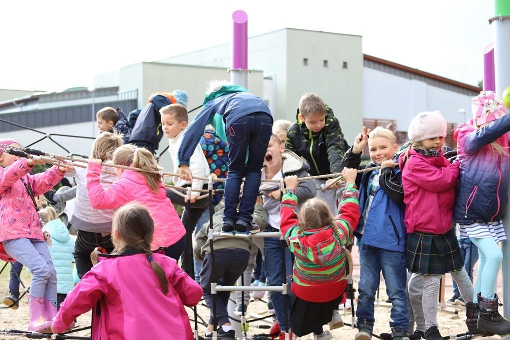 Bērnu aktīvās atpūtas laukuma atklāšana