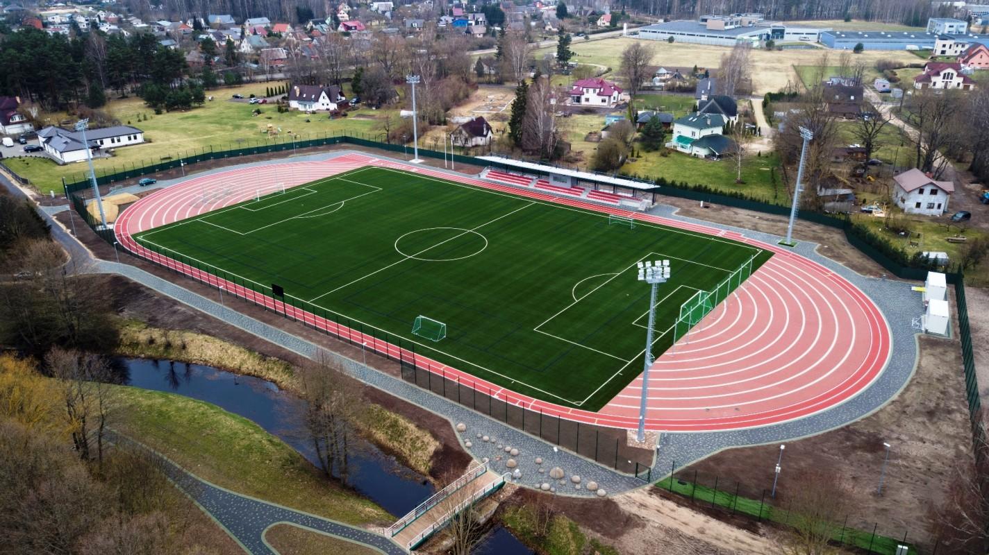 Jaunmārupes pamatskolas stadions (lielais)